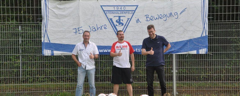 """VfB Ultras """"Schwabensturm Stuttgart"""" unterstützen Fußballjugend"""